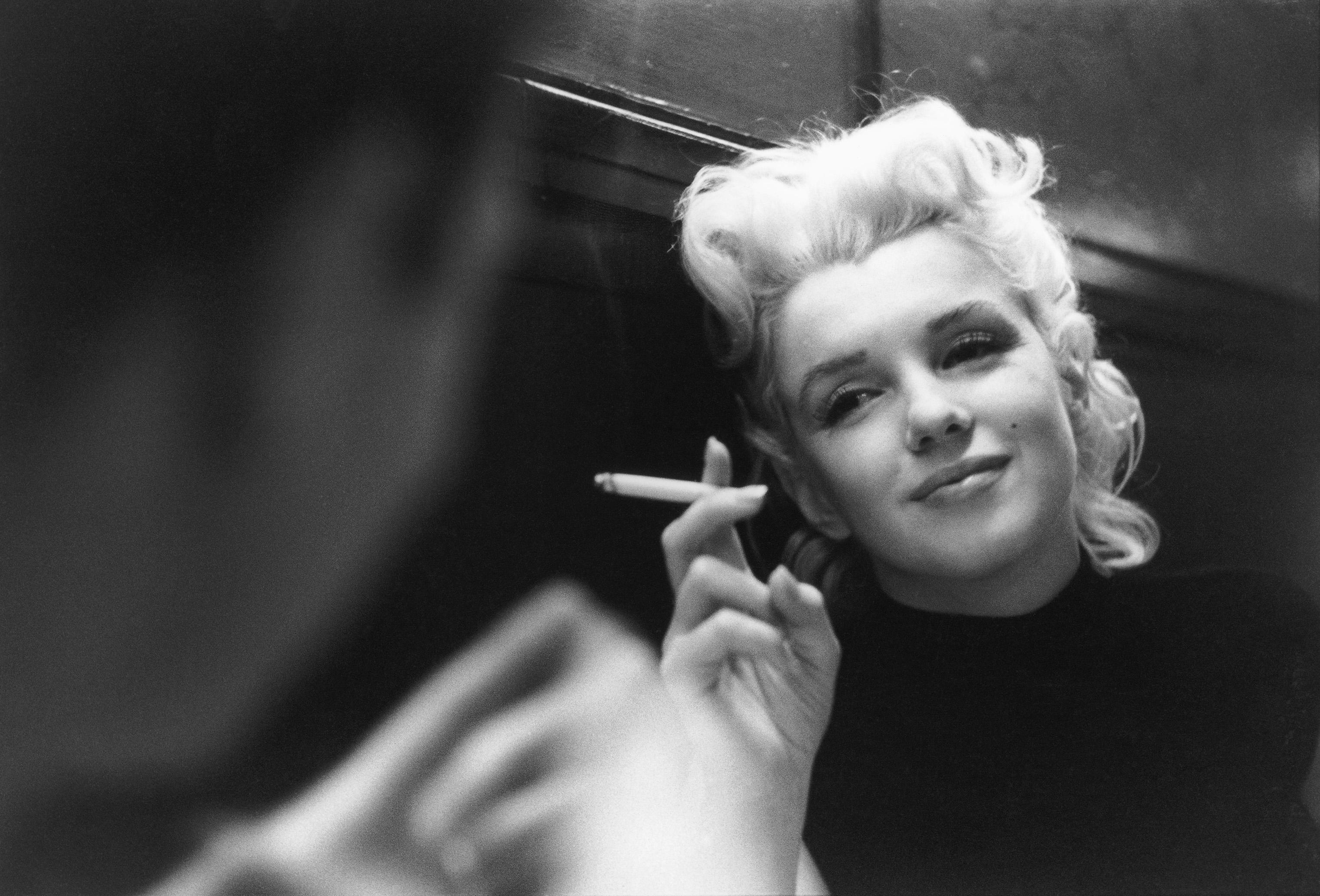 Populaire 12 Spooky Details You Probably Haven't Heard About Marilyn  WG68