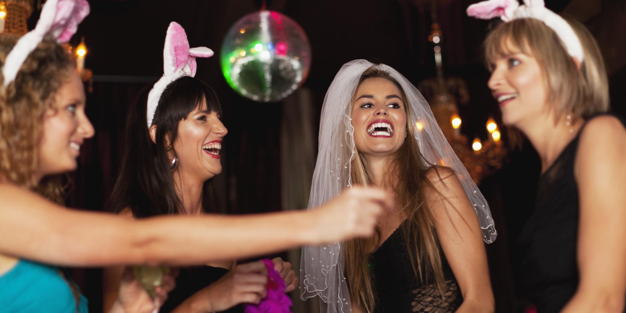 Фото парень на девишнике, Невеста, у которой нет подруг, пригласила на свой 24 фотография