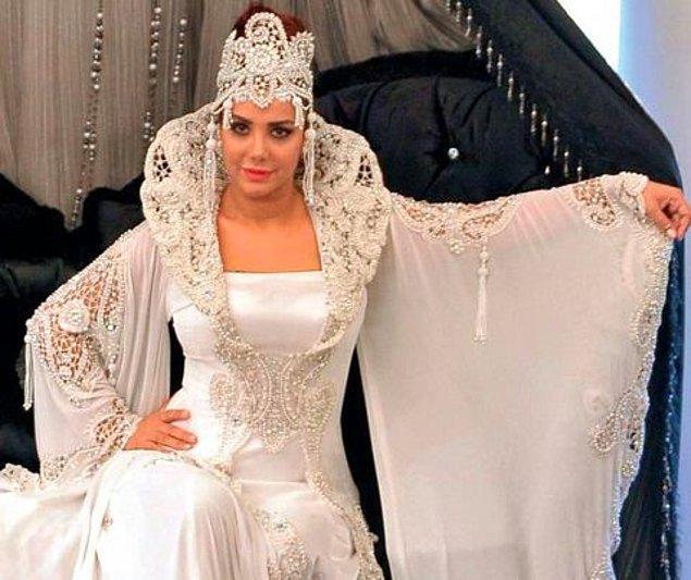 """5. """"Oğlumun sünnet düğününde de bunu giyecem inşallah"""" gelinliği"""