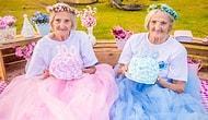 100-летние сестры-близняшки отпраздновали свой юбилей праздничной фотосессией