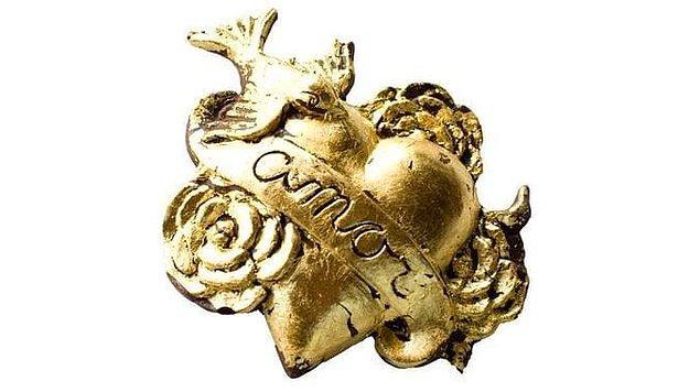 24. 23 karat altın varaklı kalp çikolata! 🍫💛