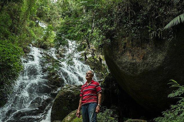 Vicente ise, hayvancılıktaki artış, ormanların yol oluşu, hızlı kentleşme ve nüfusun büyümesi sonucu, su kaynaklarının git gide azalması ve ormanların yok olması karşısında büyük bir endişe duyuyordu.