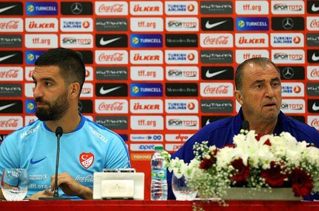 İddiaya göre EURO 2016 öncesinde Antalya kampında Arda Turan, Fatih Terim'e taktikle ilgili bir eleştiride bulununca ortalık gerildi.