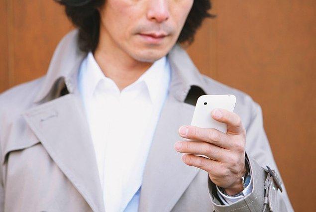 13. Bütün cep telefonlarındaki ortak alarm sistemi.