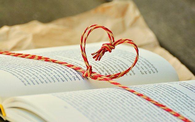 12. Hediye olarak kitap aldıysanız, okuduktan sonra kitabı size alan kişiyle görüşün ve fikirlerinizi paylaşın.