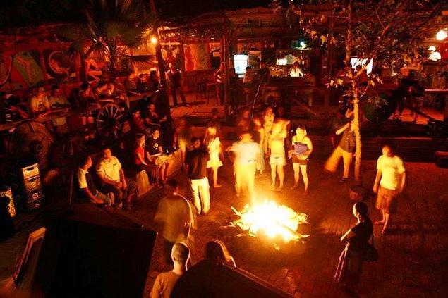 Olympos'ta gece hayatı