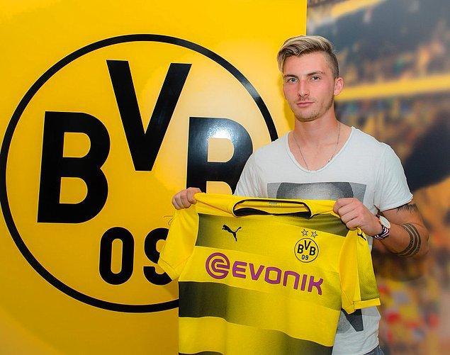 120. Maximilian Philipp ➡️  Borussia Dortmund