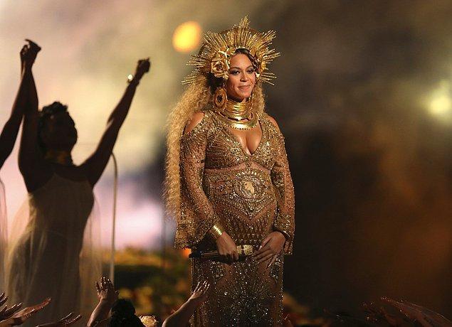2. Beyonce'nin bu hamileliği, bir öncekine göre fazlasıyla göz önünde oldu.