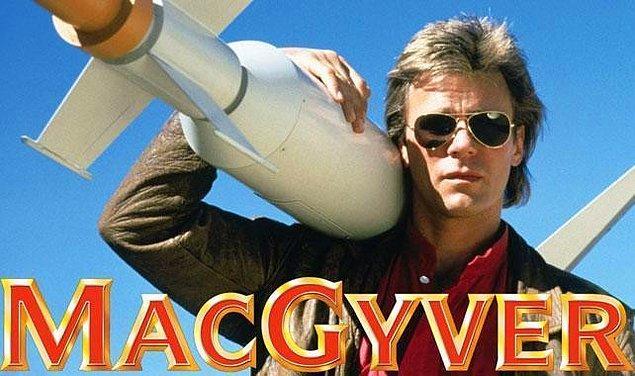 24. MacGyver (1985–1992)    IMDb 7.7