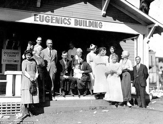 """9. """"Daha Sağlıklı Aile"""" yarışmasına katılan aileler, Kansas 1925."""
