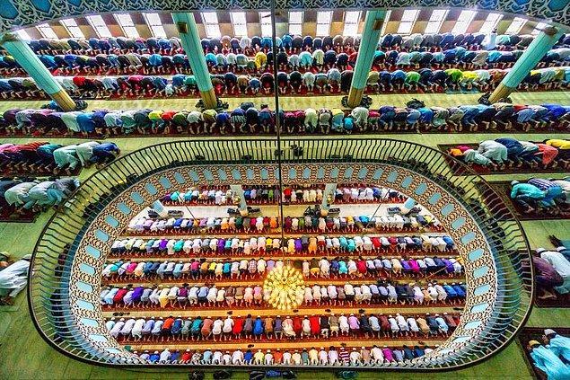 22. Bangladeş'te Bayram Namazı