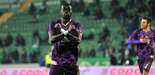 2. Badou N'diaye 🔥  Osmanlıspor ➡️  West Ham United
