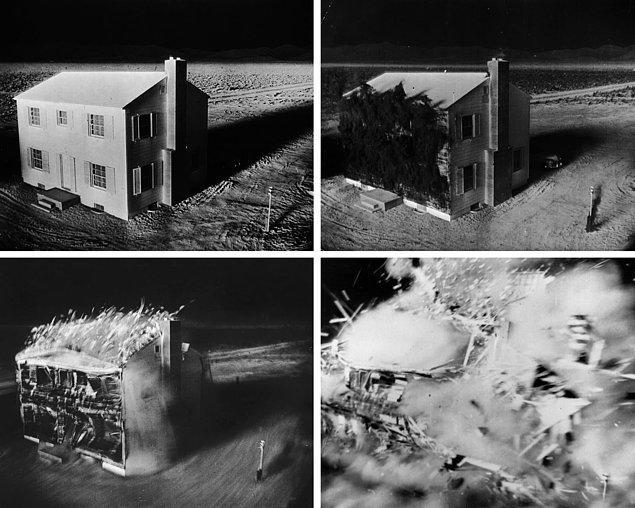 12. Test sırasında patlama yerinden 1.6 km uzaklıktaki bir evin 2.3 saniyedeki yok oluşunu gösteren kamera görüntüleri.
