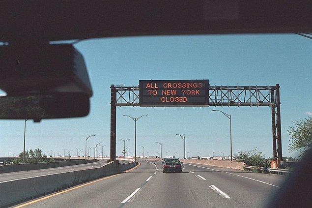 7. 11 Eylül 2001 Salı günü karayollarında bulunan levha.