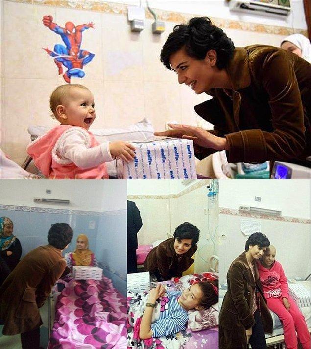 #1 Tuba Büyüküstün UNICEF elçisi ve her fırsatta yardım için koşturma uğraşında. Bu görüntüleri Cezayir'den, hasta çocukların ziyaretinde.