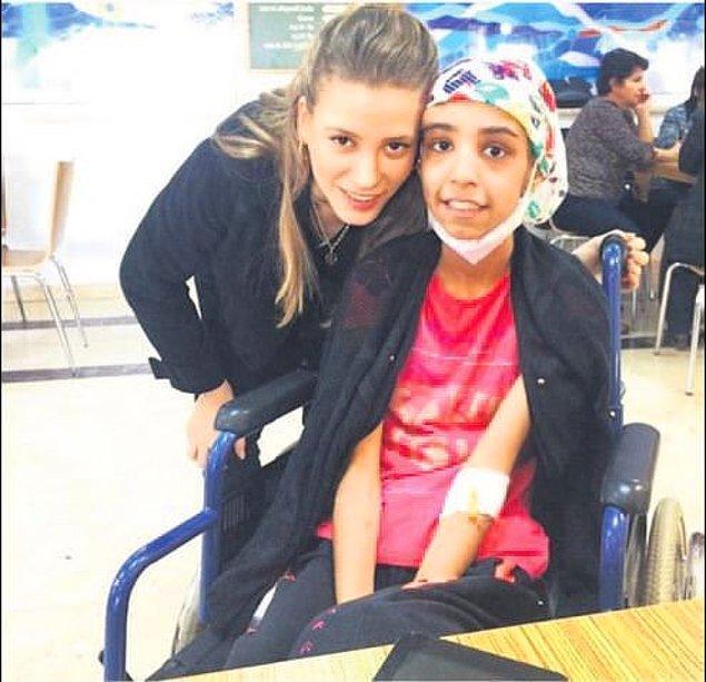 #22 Kemik tümörüyle mücadele eden minik Rojda'nın bir hayali varmış: Serenay Sarıkaya ile tanışmak.