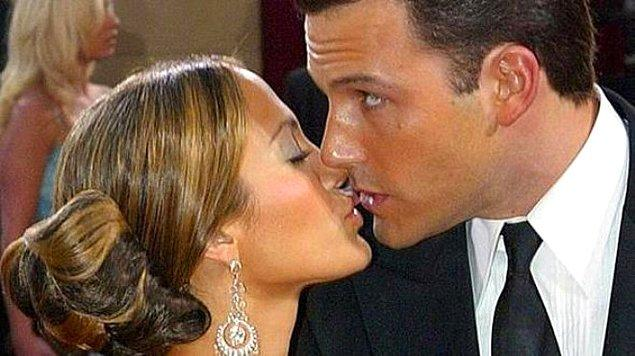 9. Bir yandan taksi durağının numarasının hatırlanmaya çalışıldığı öpücük