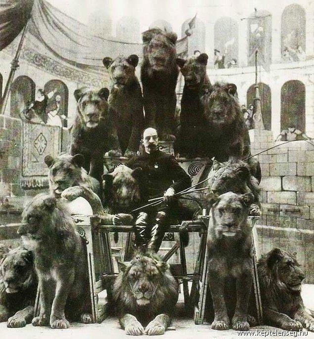 22. Kaptan Jack Bonita isimli tek kollu aslan terbiyecisi ve onun aslanlarıyla verdiği ihtişamlı poz, 1900'ler.