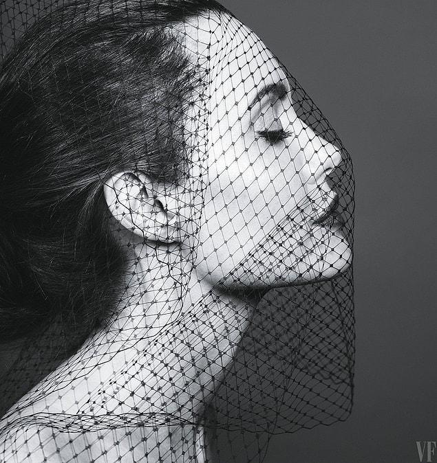 """Джоли удалось решить проблемы со здоровьем благодаря иглоукалыванию: """"Сейчас я чувствую себя настоящей женщиной: я принимаю мудрые решения, я ставлю свою семью и свое здоровье на первый план""""."""