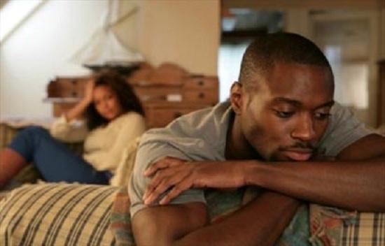 женщины издеваются в секси над мужьями
