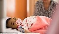 Малышка, чьи родители бросили ее в больнице, отчаянно борется за жизнь