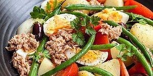 От Италии до Индонезии, от Греции до Калифорнии - читайте наш список 12 салатов со всего света и выберите свой любимый!