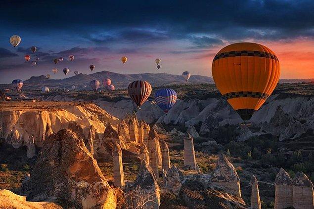 1) Dünyanın en çok turist çeken rotalarından biri olan Türkiye'de 2014 yılından itibaren gelen turist sayısında ciddi bir azalma gerçekleşti.