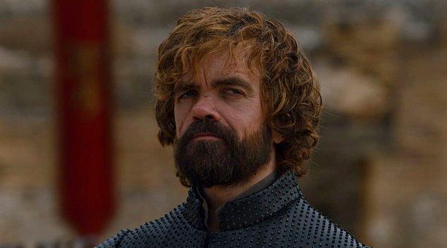 Dolayısıyla o duymadığımız konuşmada da bir anlaşma yaptıklarını tahmin ediyoruz. Bu anlaşma ne olabilir derken aklımıza şu ihtimal geliyor… Tyrion, Cersei'ye Daenerys'in çocuğu olamayacağını söylemiş ve dolayısıyla Dany ölünce, gelecek bebeğin tahta oturacağının güvencesini vermiş olabilir mi?