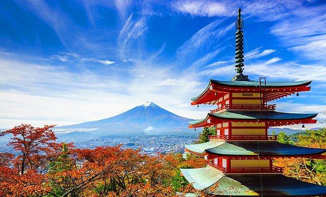 Hem dahiliği hem zarafeti bir arada taşıyan insanlar, gizemli tapınaklar çok ilgi çekici.