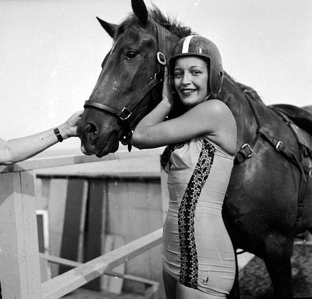 13. Sonora Carter 15 yaşında babasının izinden gidip bu spora başlamıştı. Kariyeri boyunca asla bir atı sakatlanmadı.