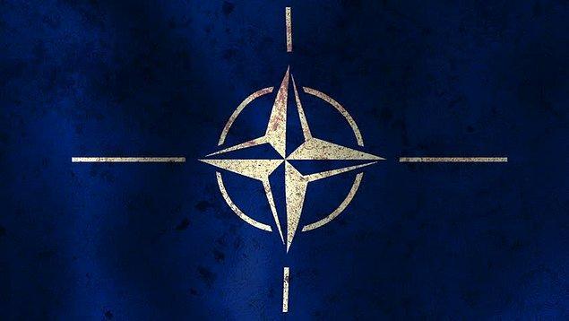 10. Türkiye NATO'ya hangi yıl girmiştir?