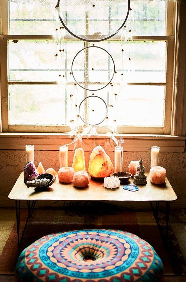 12. Meditasyon, yoga gibi aktiviteler için mistik bir köşe yaratmak da sandığınızdan daha kolay!