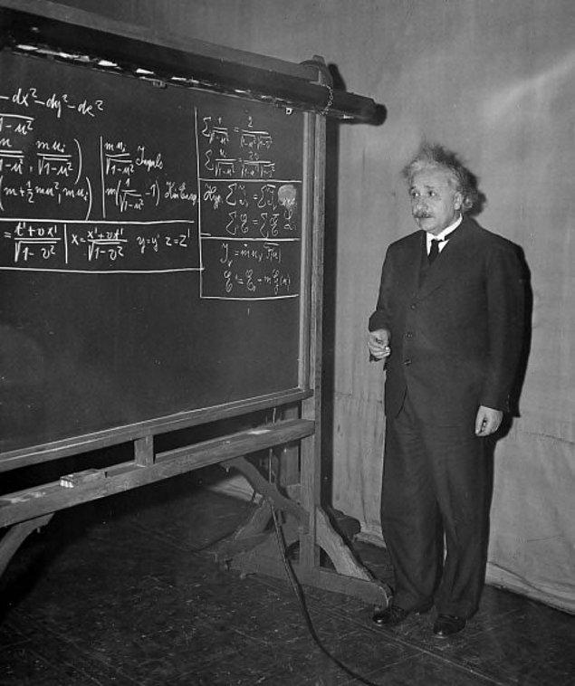 12. Einstein Matematik'ten kalmamıştı.