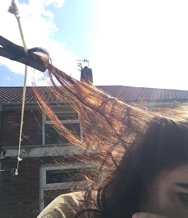 12. Saçlarınız en olmadık nesnelere takılır.
