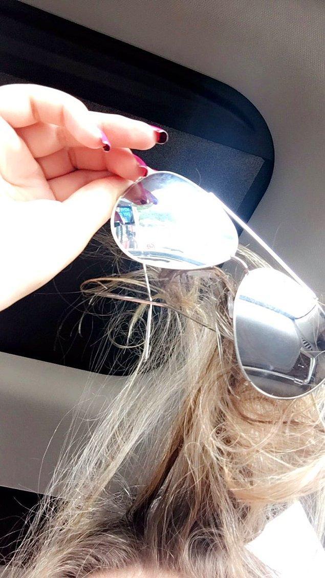 13. Özellikle gözlüğünüze. Bir de yardım edecek kimse yoksa tutam tutam saç yolunur.