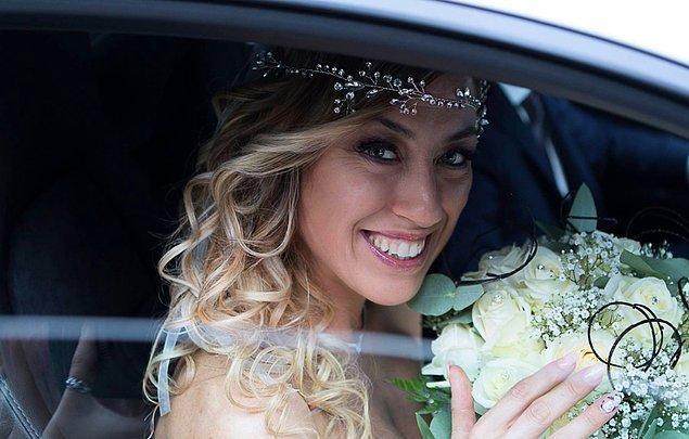 Bir düğünde beklediğiniz her şey Laura Mesi'nin düğününde de vardı. Neredeyse...