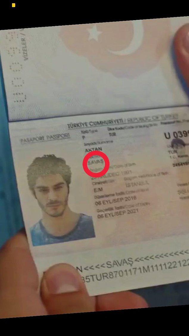 Yunanistan'a geçebildiler. Tabii pasaport kontrolü dikkatli izleyicilerin gözünden kaçmadı. Sen kimsin Barış?