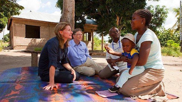 Teknoloji kralı Bill Gates ayrıca eşi Melinda Gates ile birlikte dünyanın en büyük vakıflarından bir tanesine sahip.