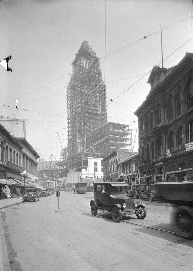 9. Los Angeles Belediye Binası City Hall'ın yapımı sırasında, 1927.