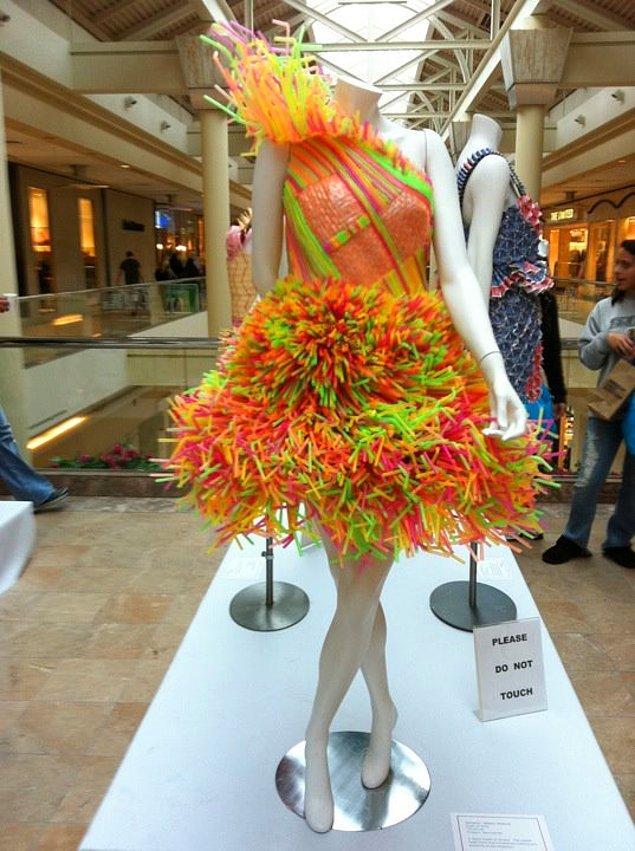 BONUS: Ya da abartıp kendinize bir elbise bile tasarlayabilirsiniz.