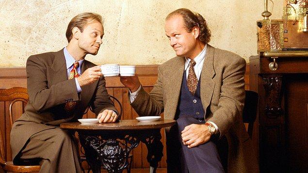 2. Cheers dizisinin spin-off'u olan Frasier hazırlık aşamasındayken, oyunculardan Kirstie Alley yapımcı David Lee'ye gidip yeni dizide yer alamayacağını, çünkü artık Scientology üyesi olduğunu ve psikiyatriye inanmadığını söylemiş.