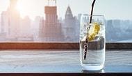 Советуем подумать дважды, прежде чем опустить ломтик лимона в свой стакан с водой!