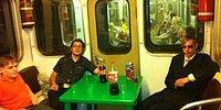 Невероятные приключения русских в подземке, или Эти странные люди в метро