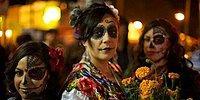 11 ужасающих фото того, как отмечают Хэллоуин в разных уголках мира