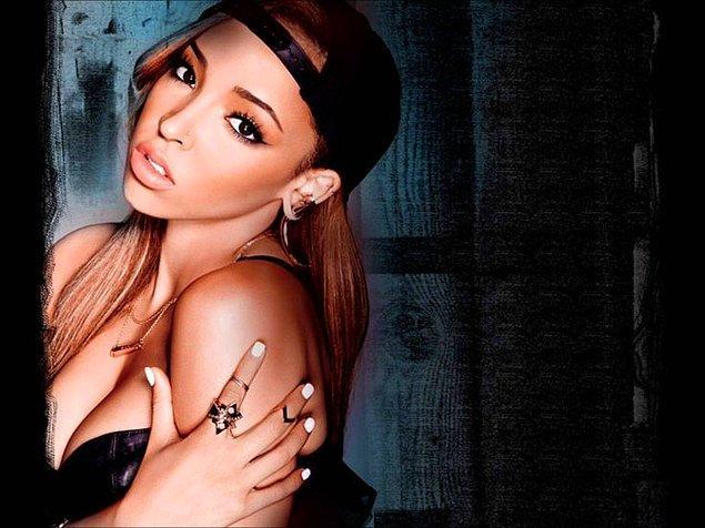 7. Tinashe birkaç yıl önceki şarkısının bir bölümünde 2000'lerden bir hit söylemeye başlamıştı.
