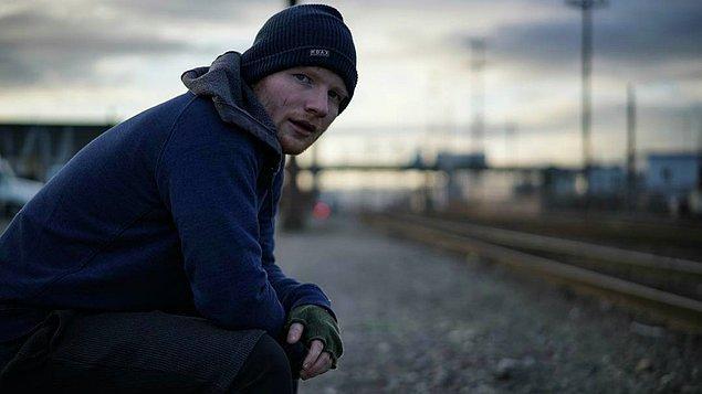 9. Ed Sheeran'ın yıla damga vuran şarkısı da 2000'lerin en bilinen şarkılarından birine saygı duruşu içeriyor.