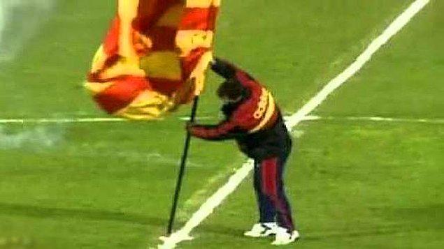 11. Souness: 'bayrak dikme olayı'