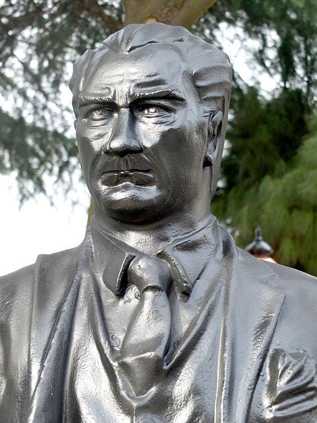5. Çorlu'da kübist bir sanatçının yorumuyla Atatürk...