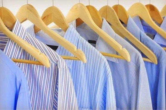 5. Ütüsüz kıyafetlerinizi dolaba değil, görebileceğiniz bir yere asın.