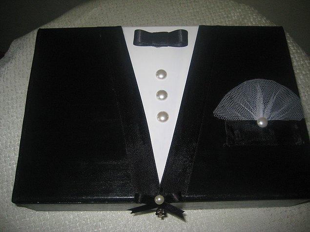 4. Gelinlik-damatlık ya da ne alakaysa midye formatında çeyiz sandığı